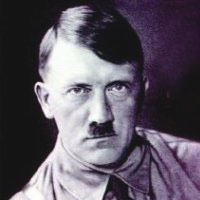 第2次世界大戦を起こしたヒトラーが現代に蘇ったらどうなるか 映画 「帰ってきたヒトラー」