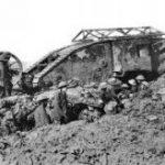 1916年 ソンムの戦い 戦い初日だけでイギリス軍は、戦死者19,240名、負傷者57,470名の損害を出してしまいました。