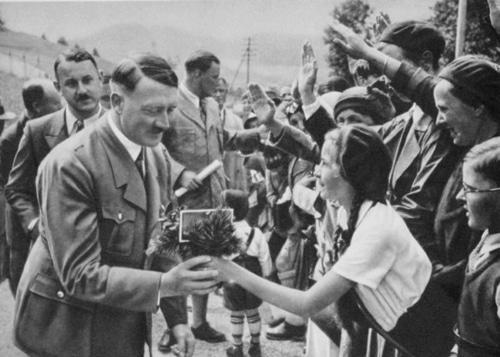 なぜ、ヒトラーは、ドイツ国民から熱狂的な支持を受けることが出来たのか? その4