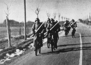 映画 「エイプリル・ソルジャーズ  ナチス・北欧大侵略」祖国がすでに降伏したとも知らずに、戦い続けた自転車部隊の若者たち