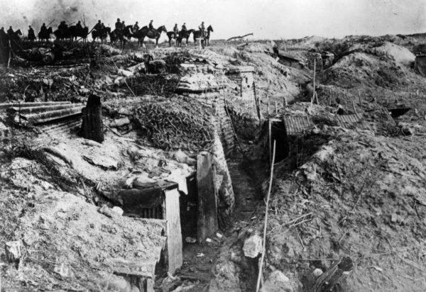 1918年 ドイツの春季攻勢(前編) ロシアとの講和が成立し、連合国軍に対してドイツが初めて人的優位に立ちました。